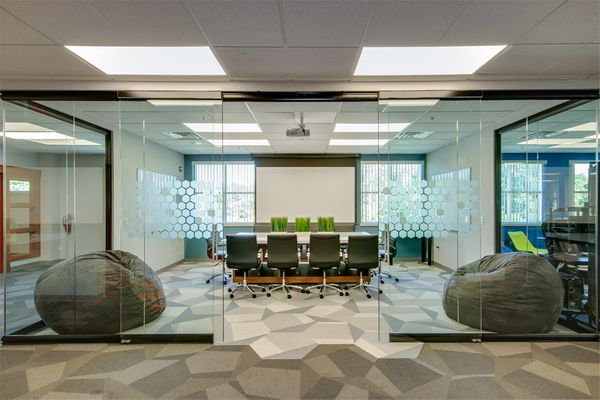 Black-Frame-View-Series-Glass-Conference-Room-View-Series